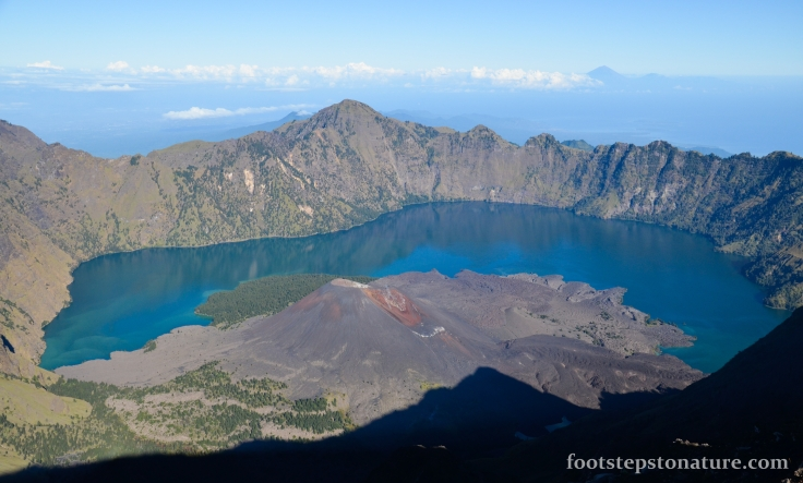 9.00am – Rinjani view of the Crater Lake; love the blue-green tone of the water